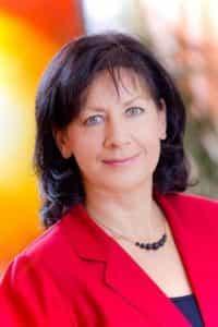 Martina Merländer ist Ihre erfahrene Osteopathin in der Osteopathie Praxis ChiSaNatura in Berlin-Charlottenburg.